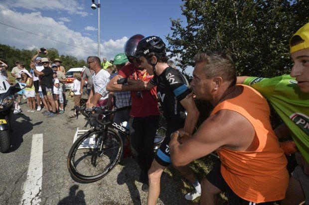 Geraint Thomas Survives Horror Crash on Tour de France Stage 16