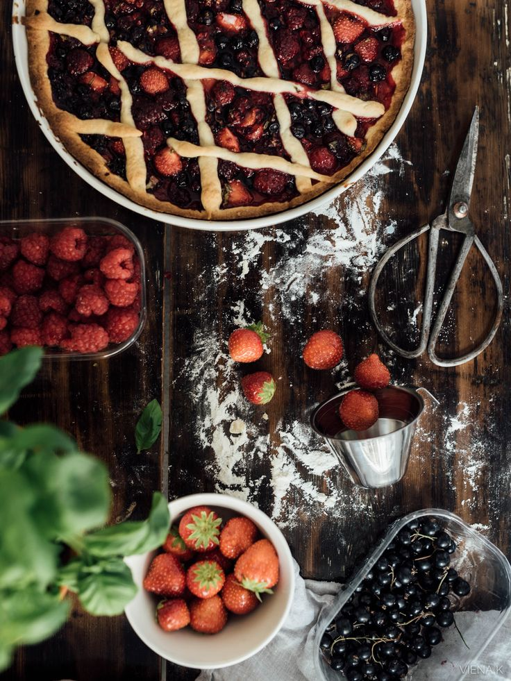 Viena K - a berry pie
