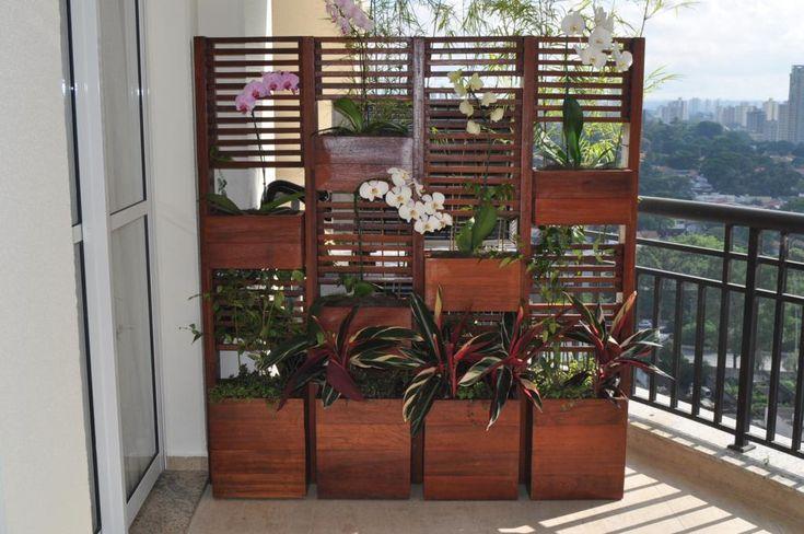 Floreira Leandro Arigone Arquiteto Paisagista - http://www.leandroarigoni.com/2012/09/como-esconder-o-ar-condicionado.html