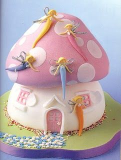Un pastel de #cumpleaños mágico para niñas, una seta rosa con haditas ||Birthday cake by cakeindraapathma