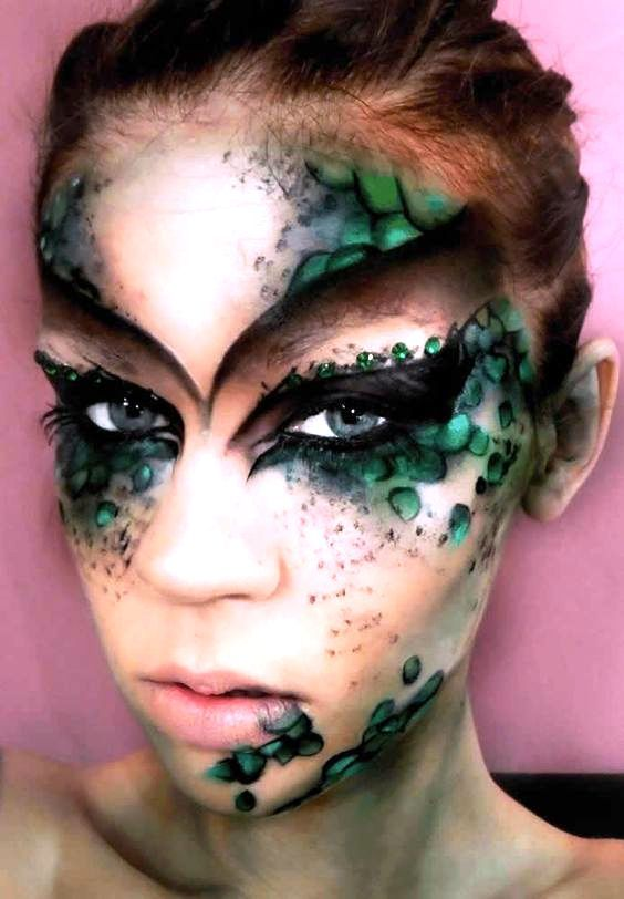 Mermaid Halloween Makeup Ideas for Women