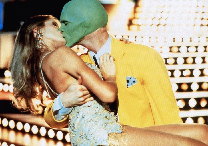 Pin for Later: The Best Movie Kisses of All Time The Mask Even with a green mask on, Jim Carrey is irrestistable to Cameron Diaz.
