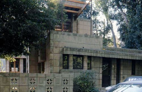 56 best fllw storer house images on pinterest frank for Frank lloyd wright california