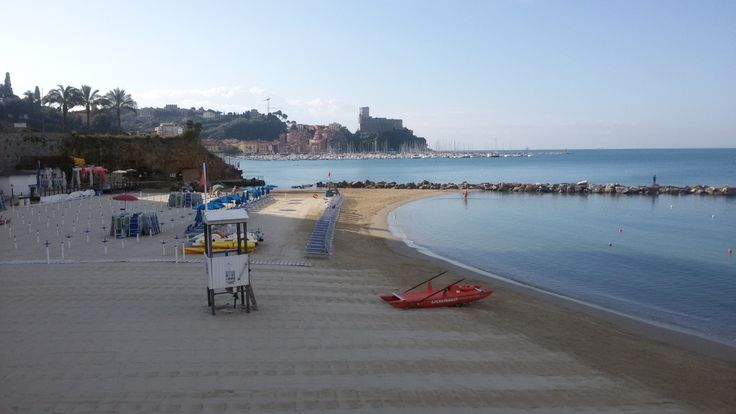 la spiaggia della Venere Azzurra Toskana