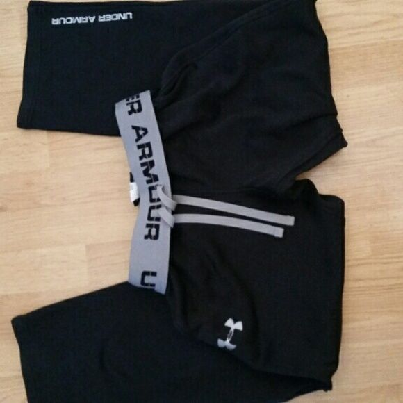 Under Armour Sweatpants Perfect condition like brand new, worn a few times and just don't like the baggy fit. Elastic band would fit a Medium as well Under Armour Pants