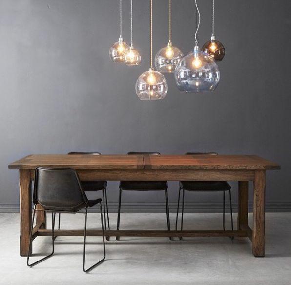 Deze hanglampen zijn gemaakt van handgeblazen glas en geven een zeer sfeervol licht!
