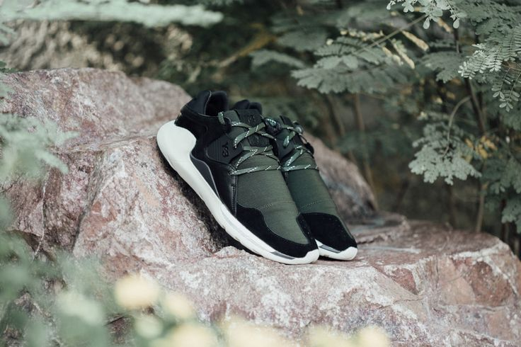 Y-3 Boost QR   #Y3 #Adidas #Boost #Yohji #Yamamoto #YohjiYamamoto#Fashion #Streetwear #Style #Urban #Lookbook #Photography #Footwear #Sneakers #Kicks #Shoes