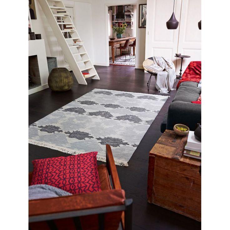 Tapis en laine à franges anthracite plat Denim Batik Esprit Home http://www.allotapis.com/tapis-de-salon/2512-tapis-en-laine-a-franges-anthracite-plat-denim-batik-esprit-home.html