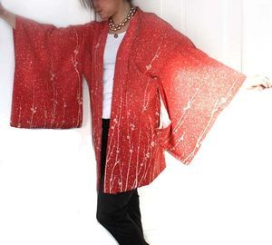 Authentic Vintage Silk Haori Kimono Jacket / Gown. Coral Red. Size XS/S/M. Luxurious Handmade. • project sarafan • Tictail