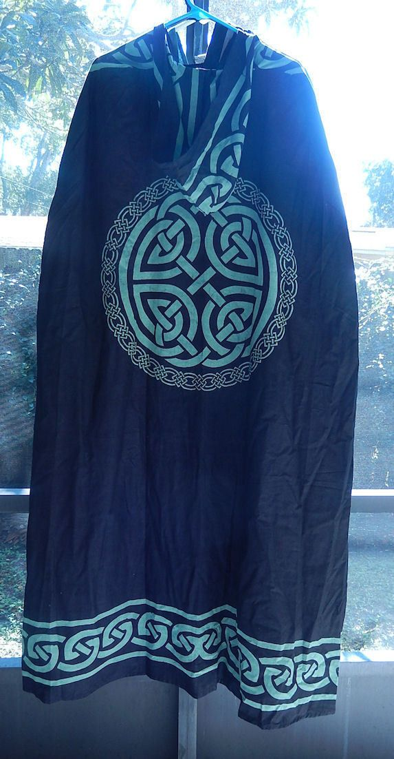 Celtic Knot Cloak | Black and Green Celtic Knot Ritual Robe | Wiccan Pagan Cape