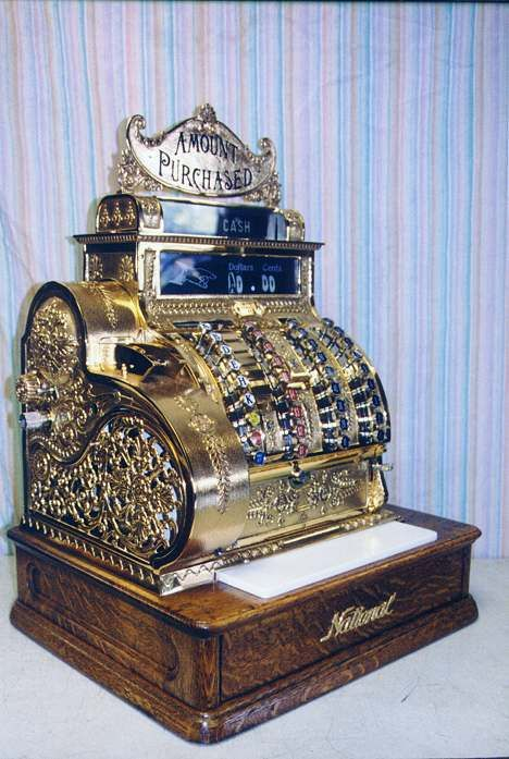 1912 National Cash Register Company Model 442, Dayton, Ohio. This is when you had to COUNT the change!!
