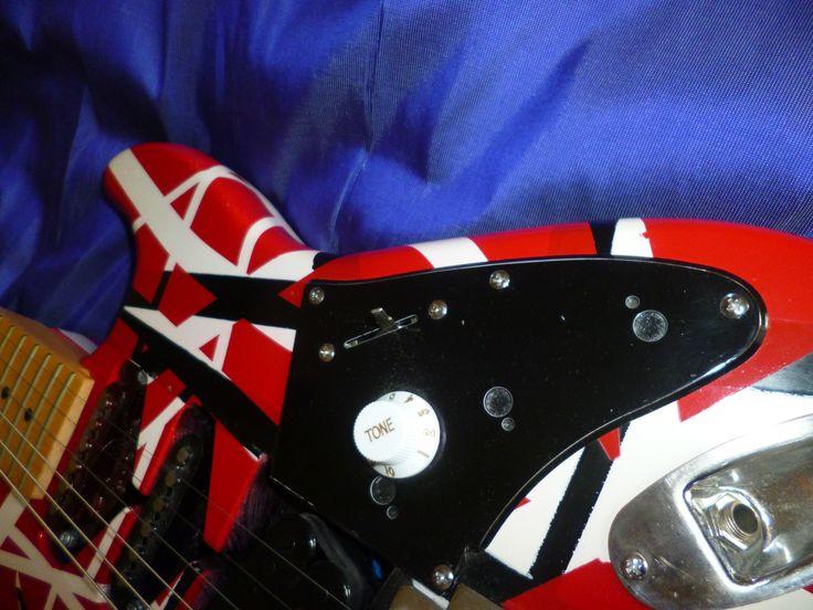 EVH Frankenstrat copy. Base guitar; Playtech