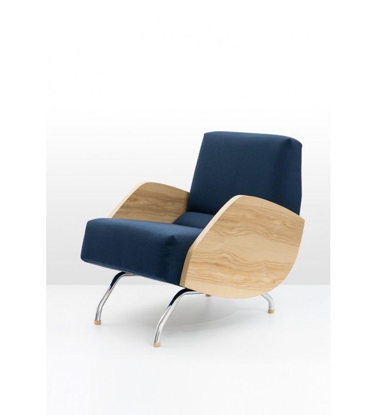 Ikona polskiego  wzornictwa, fotel R – 360 znów jest dostępny. Projekty i styl  Janusza Różańskiego zachwycają po latach odważną, nowoczesną  linią, ponadczasowym dizajnem i możliwością dopasowania do niemal  każdego współczesnego wnętrza.Meble znanego  polskiego projektanta
