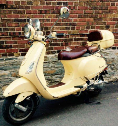 2009 Piaggo - Vespa LXV-150, Siena Ivory color - http://www.gezn.com/2009-piaggo-vespa-lxv-150-siena-ivory-color.html