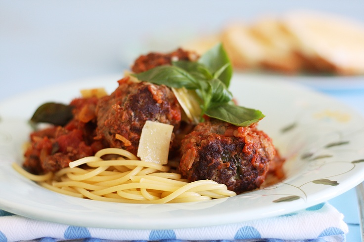 Beef and herb meatballs with spaghetti and marinara sauce