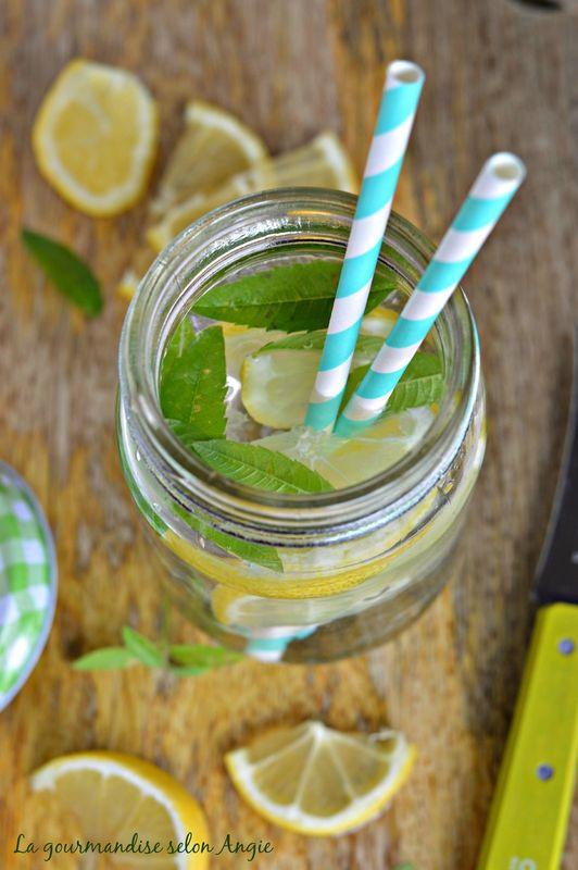 Detox water {Citron