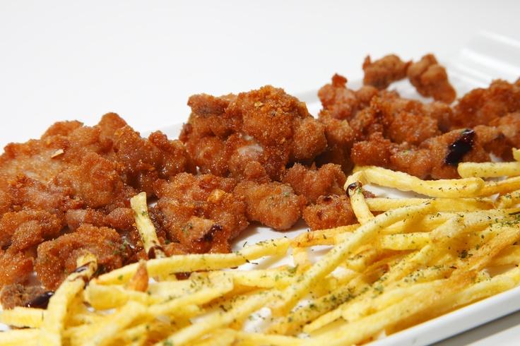 Mollejitas de Lechazo de Castilla y León empanadas y fritas con patatas   www.restaurantecasalucio.com