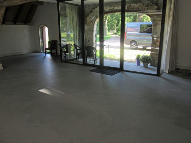 Fotogalerij - Berkers vloeren: cementdekvloeren, gietvloeren en siergrind