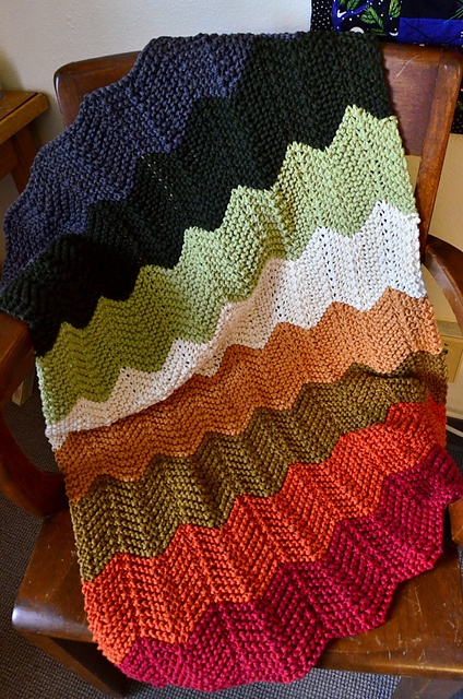 Ravelry: Mountainsprout's Chevron Baby Blanket