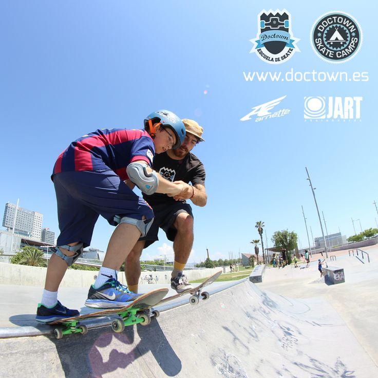 Clases de skate y cursos en #Barcelona #Madrid #Malaga #Sevilla #Cadiz #Murcia... entra y reserva ahora para tí y tus amigos.  Campamentos de verano 100% skate!  www.doctown.es