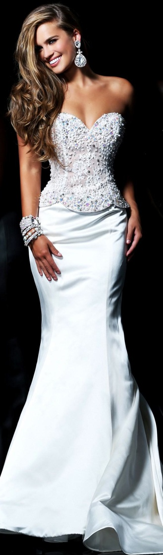 white gown beauty  ♥✤