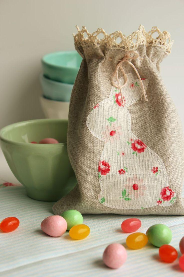 Cute handmade linen bunny bag by Nana Company. Her bunny template is here http://nanacompany.typepad.com/nanacompany/2012/03/-easter-templates-by-nanacompany.html