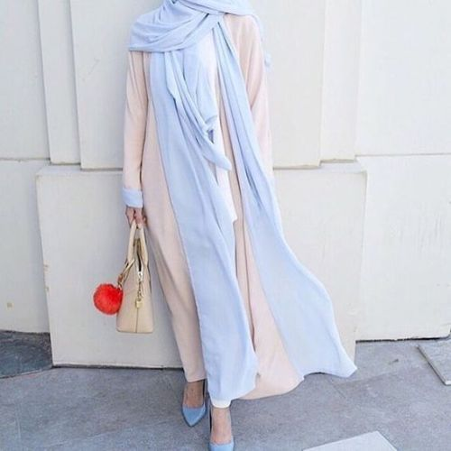 amazing and cute neutral hijab- Ideas for everyday casual hijab http://www.justtrendygirls.com/ideas-for-everyday-casual-hijab/