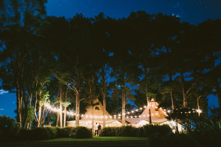 A Bohemian Wedding in Byron Bay / Shane Shepherd Photography http://thelane.com/style-guide/real-weddings/bohemian-byron-bay-wedding