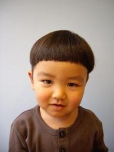 どんぐりマッシュ。ヘアスタイルの参考に。子供の髪型のカットやアレンジのアイデア。