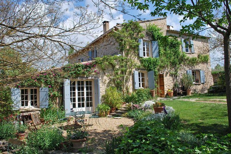 A vendre - Luberon - Mas en pierres avec 7ha - Emile Garcin - Luberon