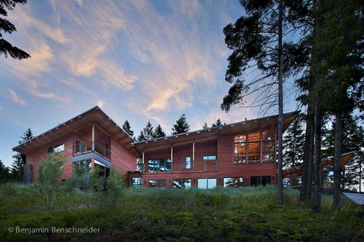 This home is perfect for family gatherings as well as corporate retreats.