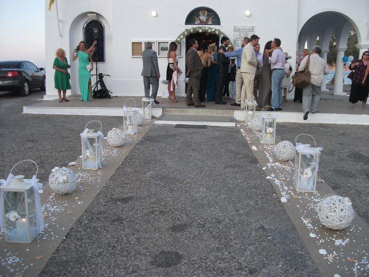#summer #wedding with #white #phalenopsis #burlap aisle runner and shells