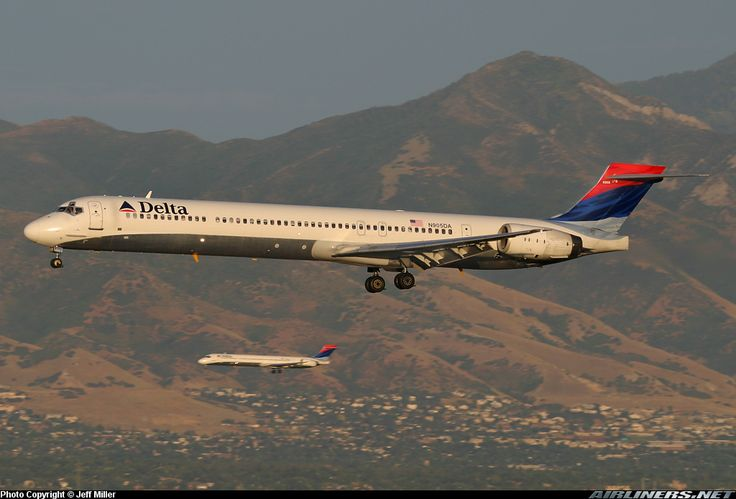 McDonnell Douglas MD-90-30 - Delta Air Lines | Aviation Photo #0908352 | Airliners.net