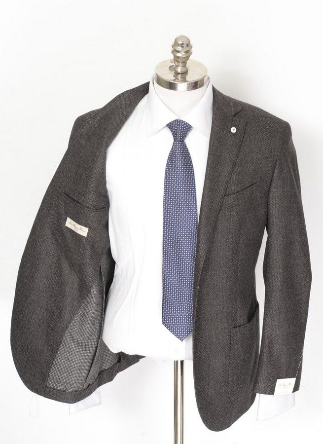 Loro Piana and Luigi Bianchi come together, in this unconstructed super 130s blazer!  |  Find yours! http://www.frieschskys.com/blazers  |  #frieschskys #mensfashion #fashion #mensstyle #style #moda #menswear #dapper #stylish #MadeInItaly #Italy #couture #highfashion #designer #shopping