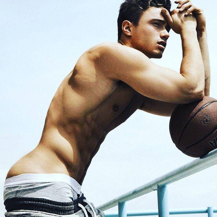 Basket  Boy.... #gay #boy #sexyboy #cute #beaugosse #picoftheday #followme #sportif #body #instagay #gaymodel #gaystagram #boyfriend #gaycute #gaycation #gayguy #instahomo Powered by clubjimmy.com