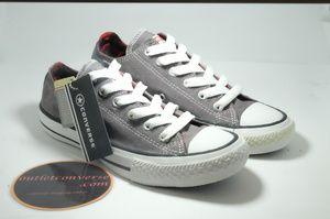 Sepatu Converse Abu-abu