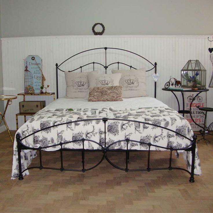 Cama de Ferro Dom Mascate modelo Flor de lis queen, na cor preto fosco. Delicada e Romantica para seu quarto ficar no clima!