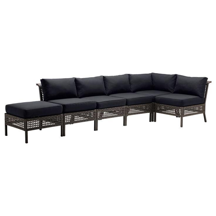 IKEA - KUNGSHOLMEN / KUNGSÖ, Hörnsoffa 2+3 med pall, utomhus, svartbrun, , Genom att kombinera flera olika sitssektioner kan du skapa en soffa i en form och storlek som passar just din utomhusplats.Hållbar, väderbeständig och underhållsfri eftersom den är gjord av plastrotting och rostfri aluminium.Sittdynan ger extra hög komfort tack vare den generösa stoppningen av högelastiskt skum.Färgen hålls fräsch längre eftersom fodralet har bra ljusäkthet.Stoppningen skyddas mot fukt tack vare ett…