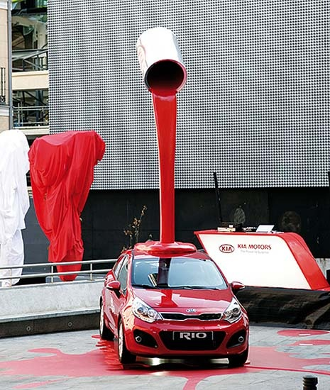 Načerveno! #kia #kiamotors #rio #car #cars #advertising #creative