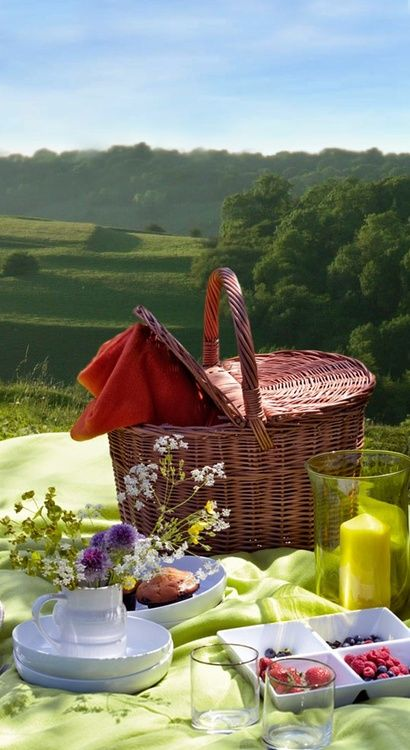 Alfresco in the Country..#basket#wicker basket #picnic basket