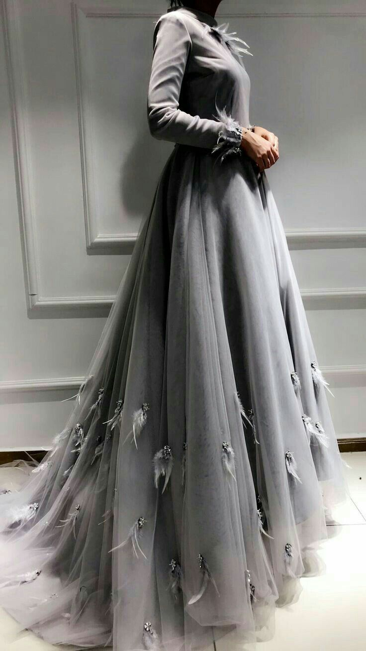 فستان زفاف بسيط رمادي تل مناسبات سواريه Ball Dresses Prom Dresses Ball Gown Ball Gowns
