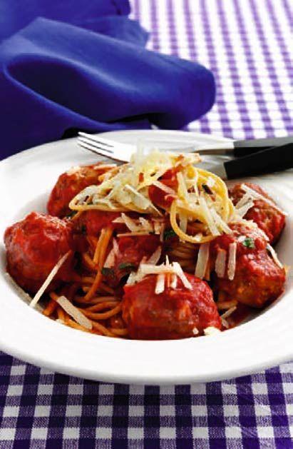 Spaghetti med kødboller og tomatsauce