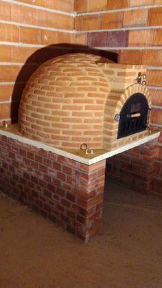 Diy Pizza Oven, Pizza Oven Outdoor, Outdoor Cooking, Wood Oven, Wood Fired Oven, Wood Fired Pizza, Patio Kitchen, Outdoor Kitchen Design, Hotel Riad