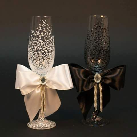 Wine flutes decor