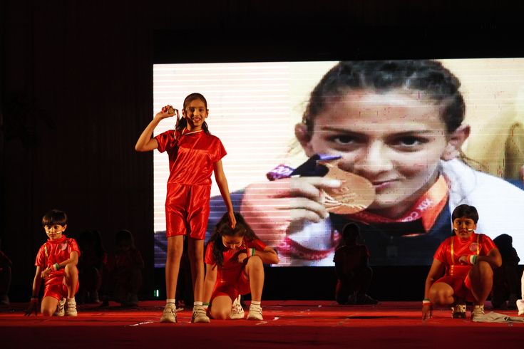 Sangamites added a shimmering flare to the stage with their marvelous performance dedicated to Geeta Phogat is a freestyle wrestler who won India's first ever gold medal in wrestling at the Commonwealth Games in 2010.