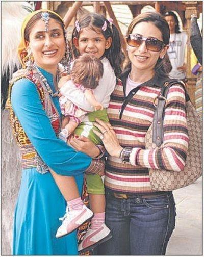 Karisma with her daughter Samiera and sister Kareena.