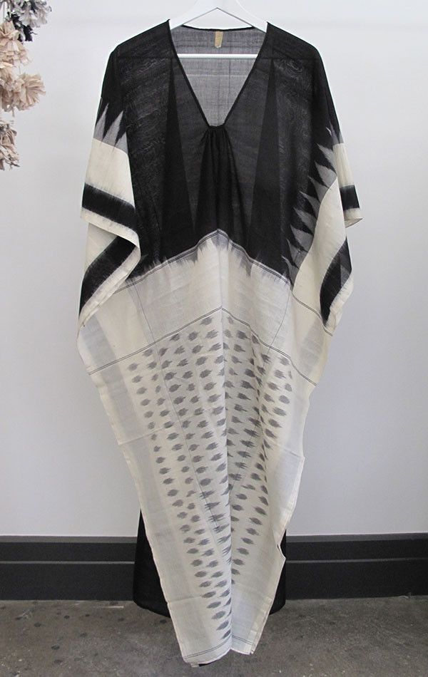 "Ikat hand loomed cotton sari caftan in medium weight cotton. - white body with black front - Length 49"" - Free domestic shipping"
