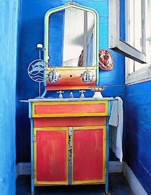 A blue bathroom