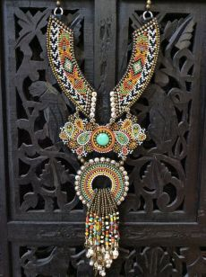 Bead Embroidery Necklace with African Trade Beads, Tribal Necklace, Boho Necklace | Этнические Ожерелья, Африканцы и Бисер
