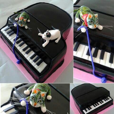 Piano and cats cake :)